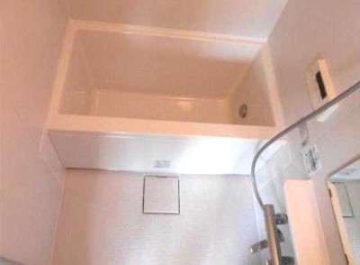 【浴室】OKA三軒茶屋 2021年5月フルリノベーション済 独立洗面台 2人入居可
