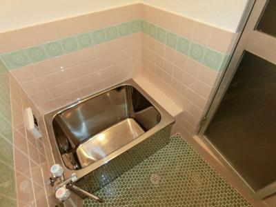 【浴室】四條畷市江瀬美町連棟