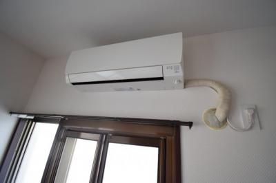 エアコン残置物(2台)
