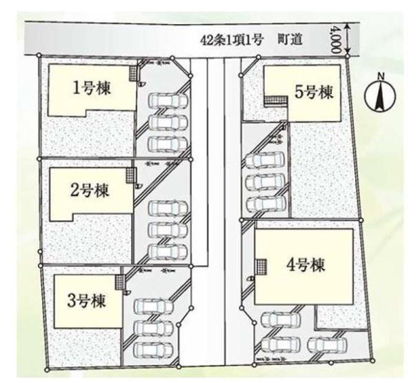 5号棟 カースペース3台以上可能です。