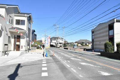【前面道路含む現地写真】鴻巣市松原1丁目 新築分譲住宅全11棟