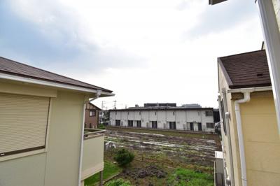 駅近ながら豊かな自然が残る街「東大和」。始発駅なので、モノレールをご利用の方は座れますよ!
