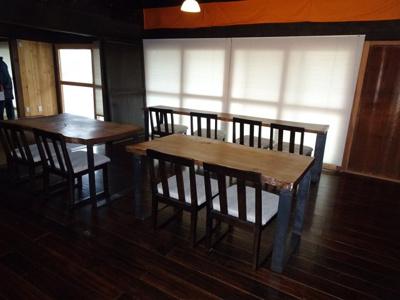 客席 テーブル 椅子の完備