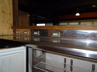 厨房(キッチン)のコールドテーブル