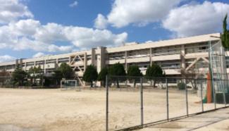 志免東小学校まで475mです。