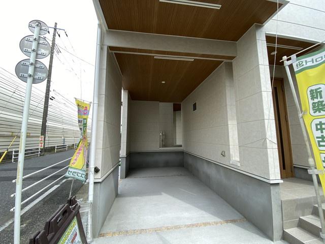 風雨から愛車を守るビルトインガレージです。