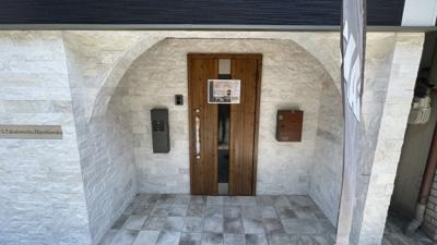 玄関はオシャレなカフェのようです。