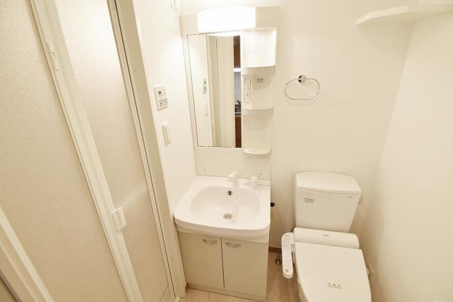 人気のシャワー付洗面台。
