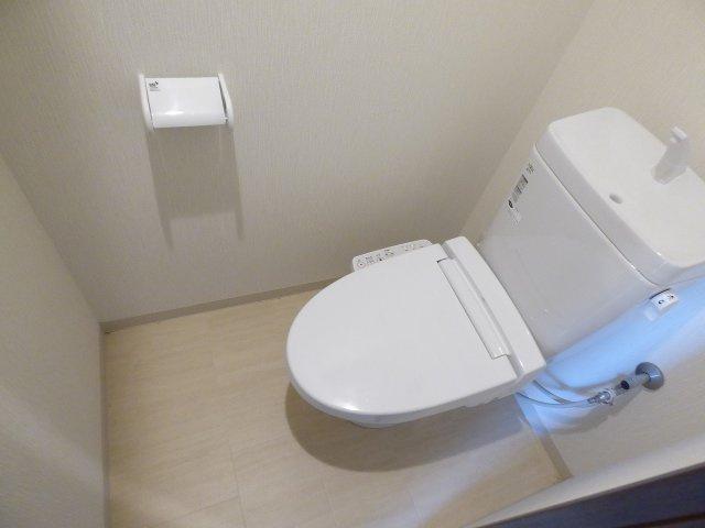 うれしい温水洗浄便座付き。
