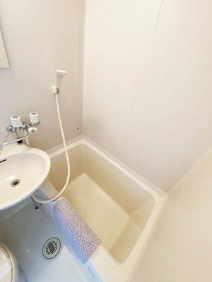 ユニットバスでお掃除らくらく☆浴室内に洗面台・トイレ付きです♪ゆっくりバスタイムでリラックス☆※参考写真※