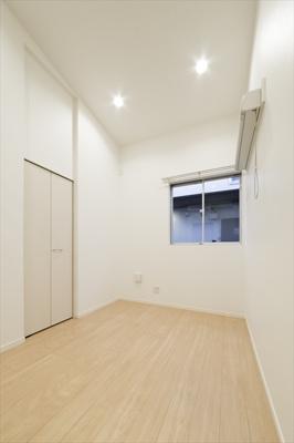 【居間・リビング】Rumah K.L.2(ルマケーエルツー)