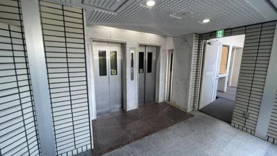 エレベーター2基ございます♪