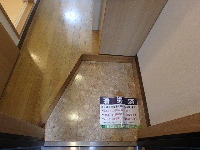 玄関  ※別室の写真です