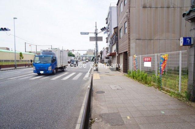 【北東側前面道路:国道25号線:幅員約22m(歩道付)】