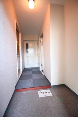 玄関を開けると解放感のある空間がひろがりますよ。