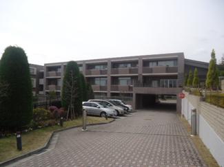 【外観】雲雀丘花屋敷ガーデンハウス 2階