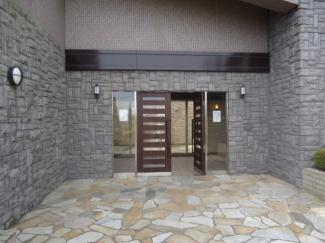 【エントランス】雲雀丘花屋敷ガーデンハウス 2階
