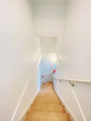 階段はこんな感じです♪