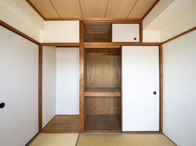 4.5帖和室の押入と天袋、使い道色々な半間床あります