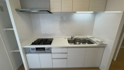 シンプルで使いやすいデザインのキッチンです!