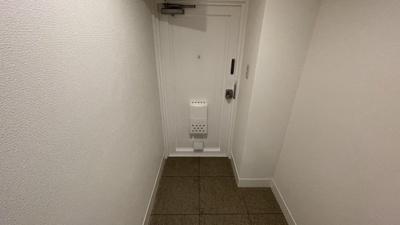 玄関こちらです。