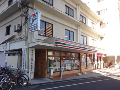セブンイレブンいよてつ古町駅店 300m