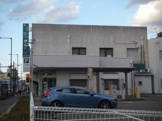 伊予銀行本町支店 366m