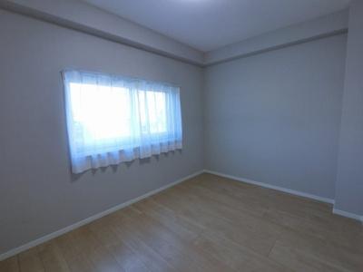5.9帖の洋室は主寝室にいかがでしょうか。