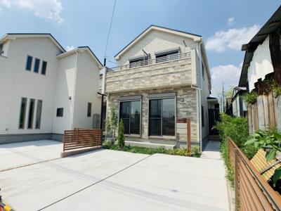 6mのゆったりとした前面道路に接した太陽の恩恵を存分に受けられる邸宅が堂々完成。