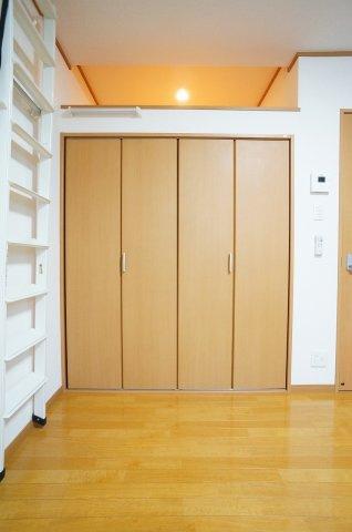 お部屋側はこの様になっており、デザイン性にも優れております。