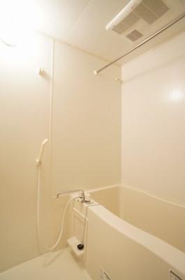 これからの梅雨の季節に力を発揮する浴室乾燥・暖房機付きです。