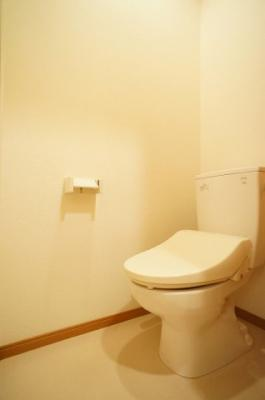 新品温水洗浄便座付き。