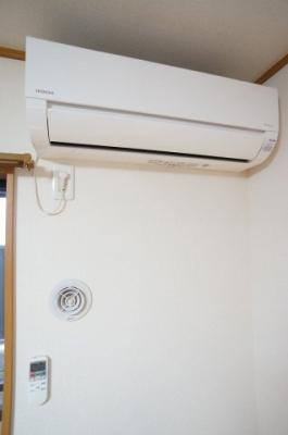 誰も使用していない新品エアコンです。