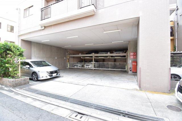 駅近でも敷地内に駐車場完備しております!最新の空き状況はお問い合わせください。