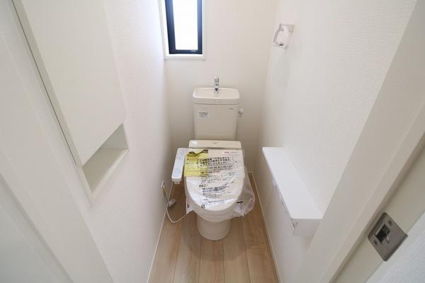 【トイレ】 2階にもトイレがあります♪