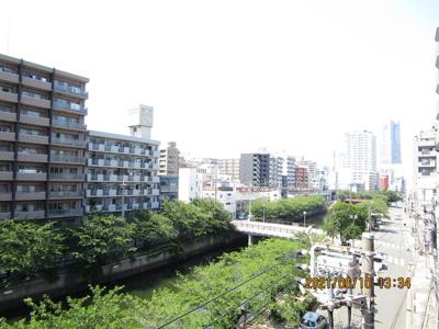 横浜ランドマークタワーも見える眺望