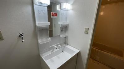 綺麗な洗面化粧台