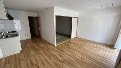 住みやすい洋室と和室のコラボです。