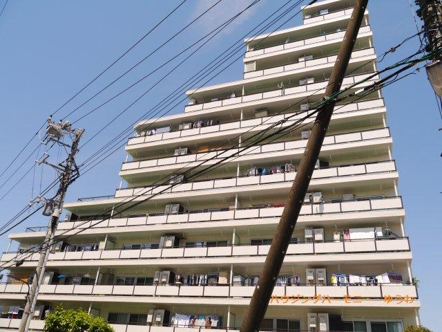 SRC造の重厚感ある総戸数185戸のビッグコミュニティ。