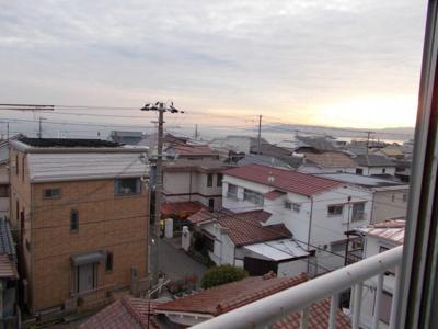 南側眺望 明石海峡大橋、淡路島望めます!