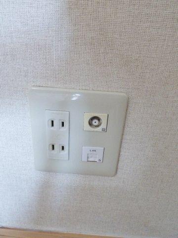 インターネット無料! ※掲載画像は同タイプの室内画像のためイメージとしてご参照ください。