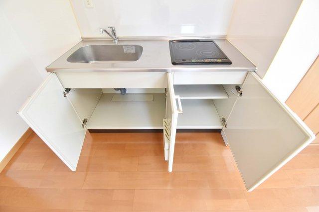 キッチンにも収納がたくさん。