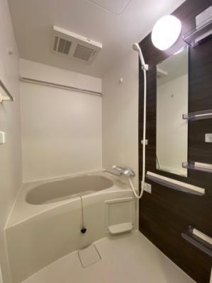 【浴室】セレニテ桜川駅前プリエ