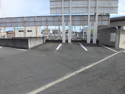 大島 AXIA倉敷 2DK 駐車場