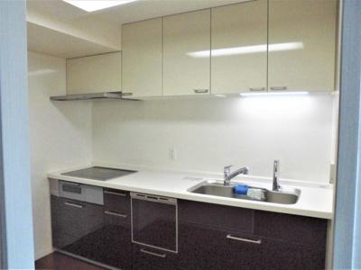 キッチン 約3.8帖 食洗機付きシステムキッチンです。