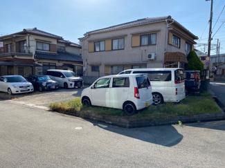現在は月ぎめ駐車場として利用されています
