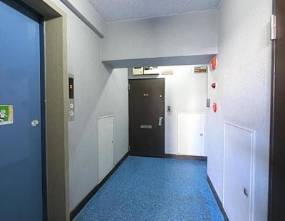 ジョイフル門前仲町第1の共用廊下です。