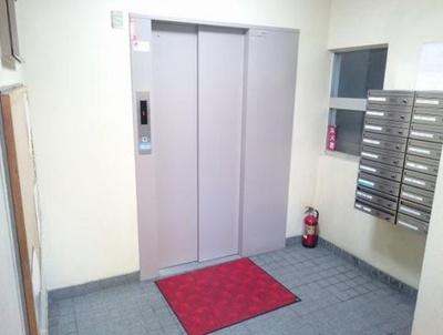 駒形橋ハイツのエレベーターです。