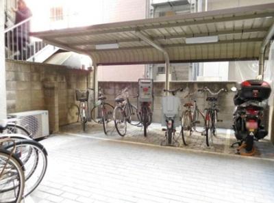 日興パレス日本橋の駐輪場です。