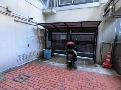 サンモール亀戸のバイク置き場です。
